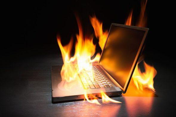Penyebab dan Solusi Panas Laptop Yang Berlebihan
